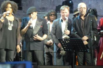 soldan sağa: Dianne Reeves - Al Jarreau - Milton Nascimento - Igor Butman - John Beasley
